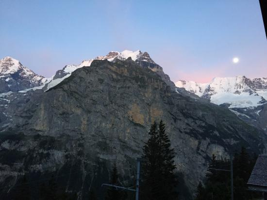 Good value for 4 person room in Murren