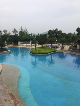 Hilton Wuhan Optics Valley : photo1.jpg