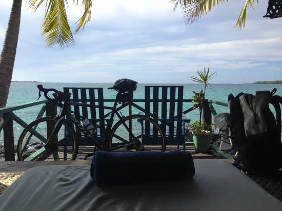 Va-i-Moana Seaside Lodge: View from my waterfront Fale
