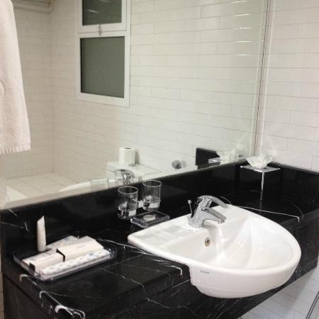 Pearl Marina Hotel Apartments: ванна