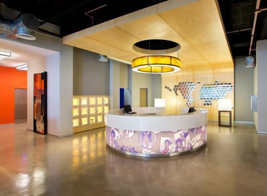 Aloft Cancun: Front Desk
