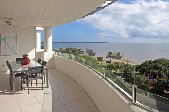 Waters Edge Apartments: Large Balconies with views of the Esplanade or Coral Sea