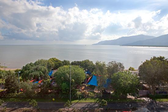 ووتر إيدج أبارتمينتس كيرنز: Cairns Esplanade