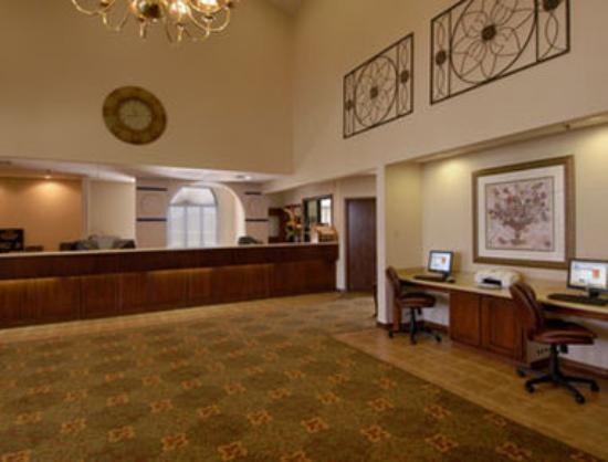 Angel Inn by the Strip: Lobby