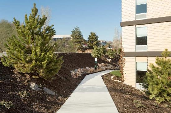 Home2 Suites by Hilton Salt Lake City/South Jordan, UT: Walking Path