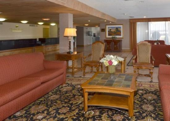 Amarillo Inn & Suites: lobby