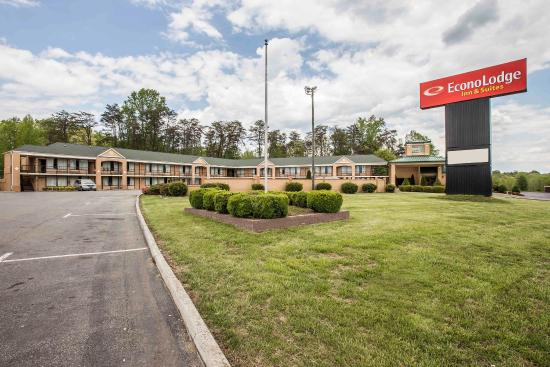 Photo of Econo Lodge Pilot Mountain