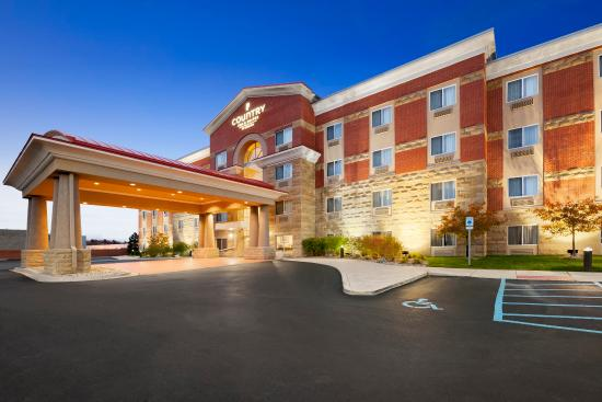 Country Inn & Suites By Carlson, Dearborn : Exterior