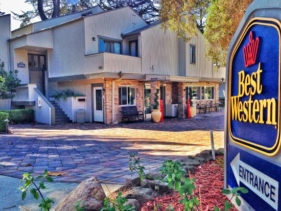 BEST WESTERN The Inn & Suites Pacific Grove : Exterior