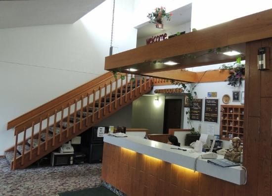America's Best Inn - Stewartville : Lobby