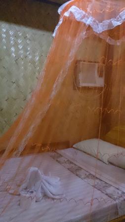 El Nido Viewdeck Inn: Bed