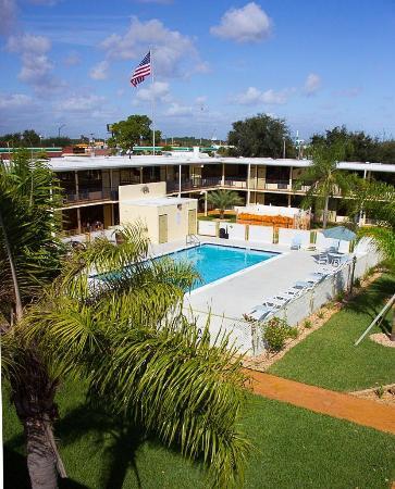 3 Palms Hotel Fort Pierce : Pool