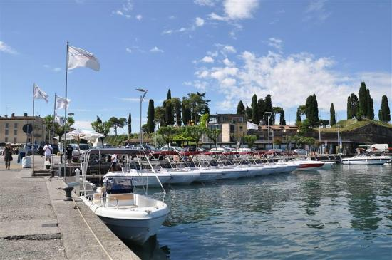 Peschiera Boat Rent