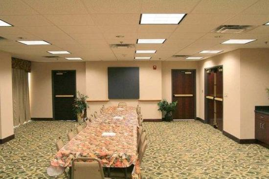 Point South-Yemassee: Meeting Room