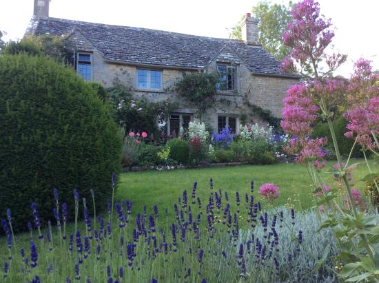 Yew Tree Cottage Bed and Breakfast: Beautiful Cottage