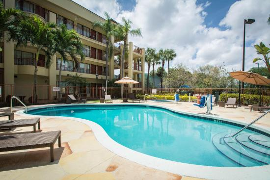 Hotels With Jacuzzi Suites On Beach Broward County