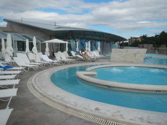 Piscine theia foto di piscine termali theia chianciano - Piscine theia chianciano ...