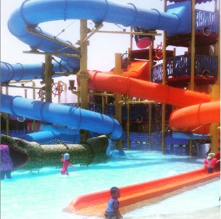 Aqua Park Qatar: Something for everyone