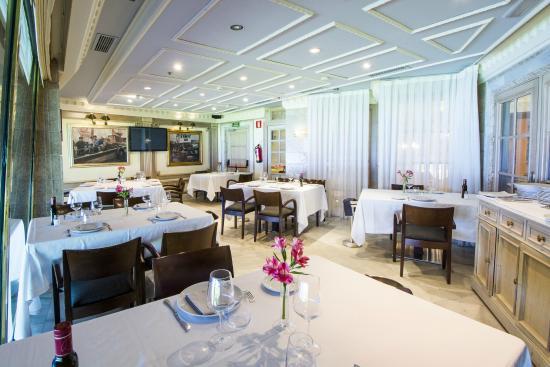 Privado sal n blanco fotograf a de puerta 57 madrid tripadvisor - Restaurante puerta 57 madrid ...