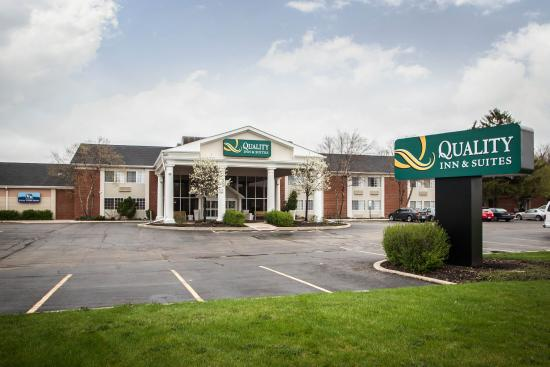 Quality Inn & Suites: Il Exterior