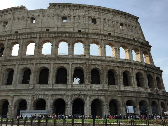 Walking Tours of Rome with Lara - Private Guided Tours : Colosseum