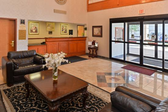 Americas Best Value Inn & Suites Augusta/Garden City: Lobby