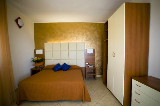Suitehotel Residence Kaly : CAMERA DA LETTO SUITE VISTA MARE