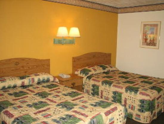 Knights Inn Downtown Albuquerque: Double Bed Room