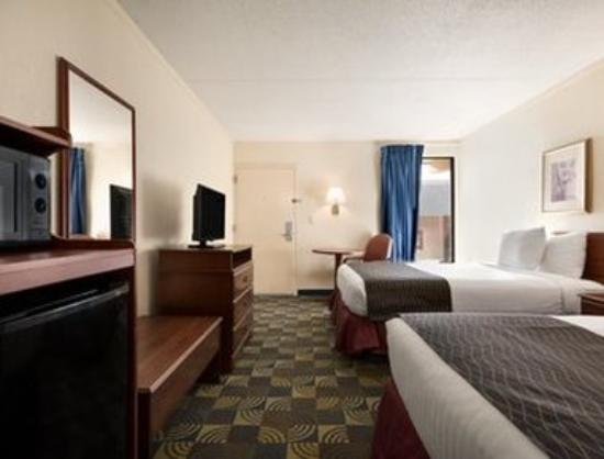 Days Inn & Suites Fayetteville Northwest Fort Bragg Area: 2 Double Beds Room