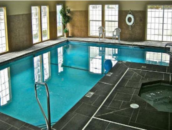 Baymont Inn & Suites Coeur d'Alane: Pool