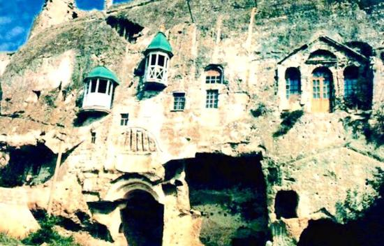 Inkerman: Пещерные помещения монастыря