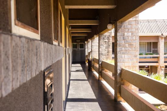 Mukuba Hotel: The way to the rooms