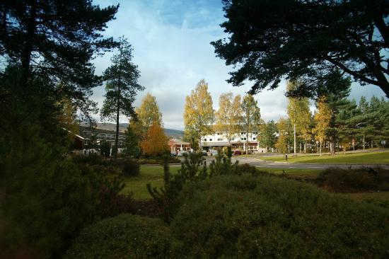 Hilton Coylumbridge Hotel: View from Grounds