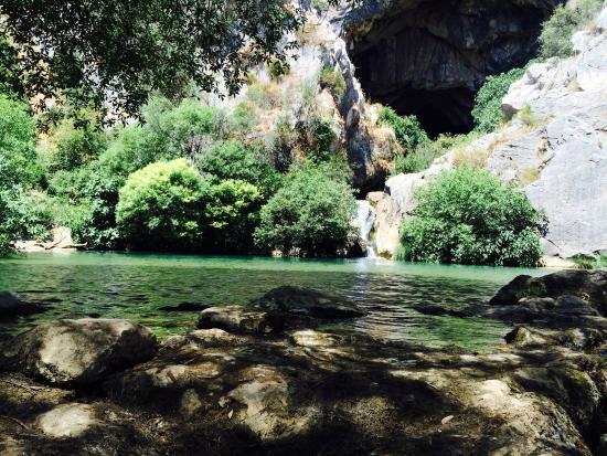 Hotel Molino Cuatro Paradas: Laguna de la cueva del Gato