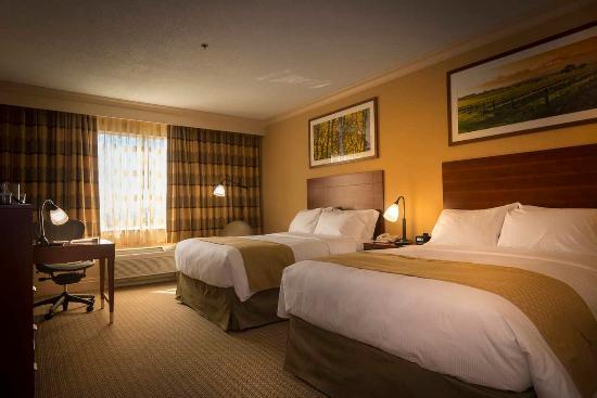 DoubleTree by Hilton Hotel Dallas - Love Field: Queen room of  DoubleTree Dallas Love Field