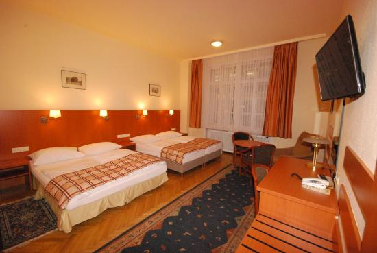 Hotel-Pension Continental: Family Zimmer