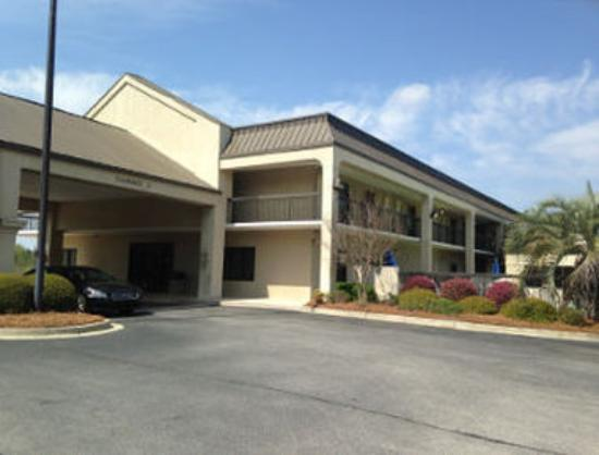 Welcome to the Baymont Inn and Suites Orangeburg N