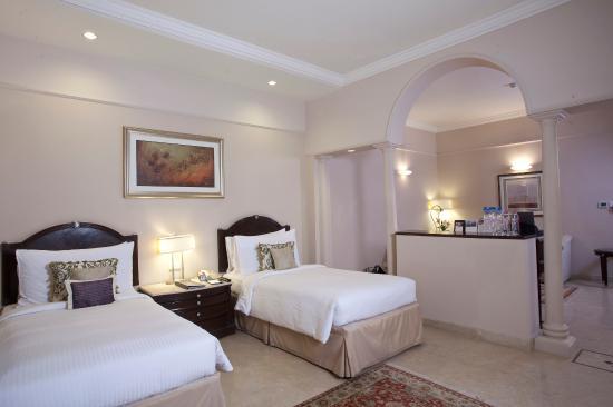 The Claridges New Delhi: Guest room