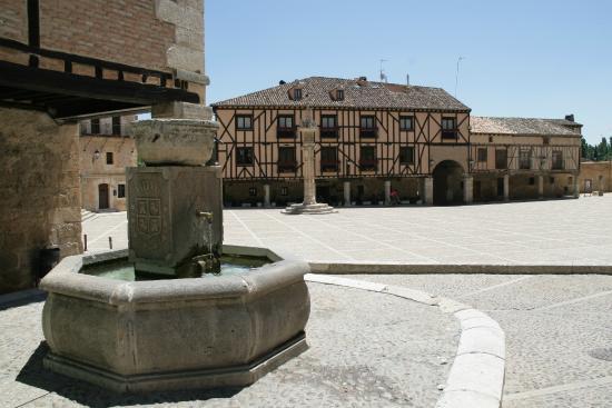 Penaranda de Duero, Spanyol: Hotel y plaza