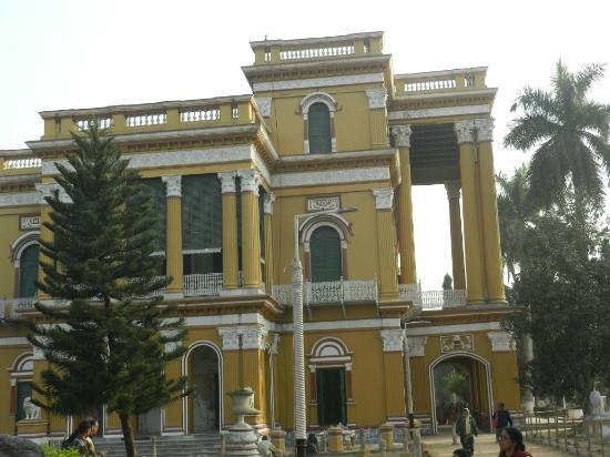 Murshidabad, Ấn Độ: Kathgola Palace