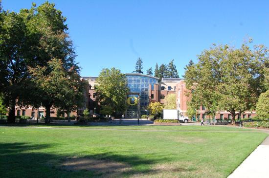 Eugene, Oregón: Clear sky in autumn