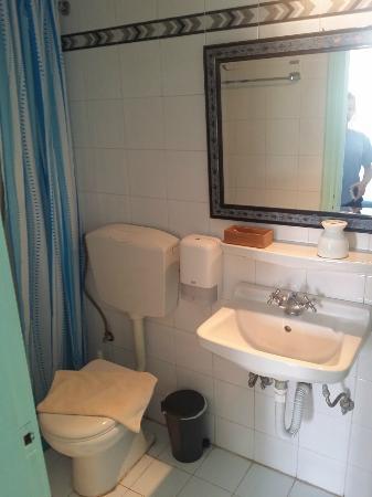 The Museum Spa Wellness Santorini Hotel: Room
