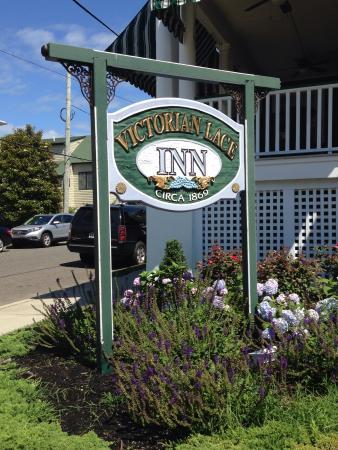 Victorian Lace Inn Photo