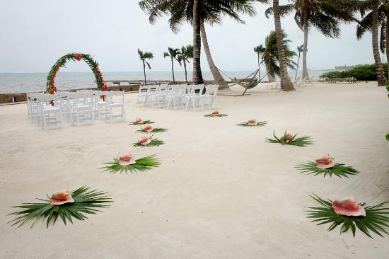 The Landings at Tres Cocos: Wedding aisle