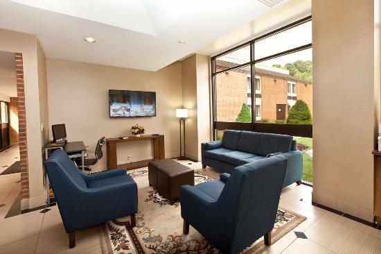 Comfort Inn Bluefield: Lobby
