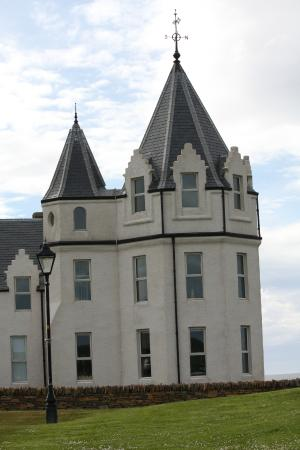 Castle Arms Hotel : Nearby The Castle of Mey | The Queen Mother's Home in Caithness