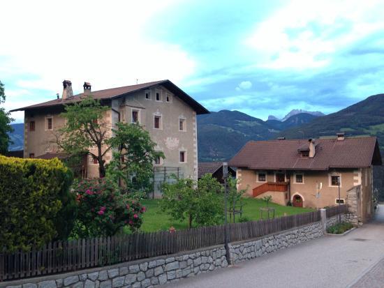 Hotel Taubers Unterwirt: Uitzicht van het terras bij ingang