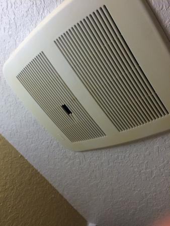Bathroom vent picture of towneplace suites miami lakes for 3 bathroom exhaust vent