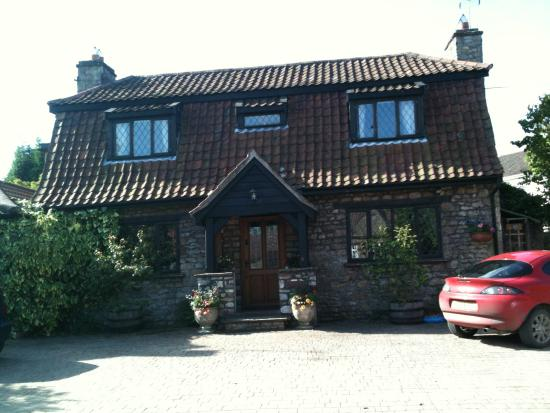 Almondsbury United Kingdom  City pictures : ... Picture of Crossover House Almondsbury, Almondsbury TripAdvisor
