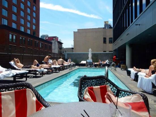 Pool area picture of sixty les new york city tripadvisor for Sixty hotel new york